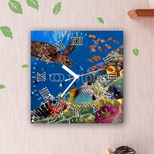 【掛け時計】綺麗な海を泳ぐウミガメとトロピカルフィッシュ