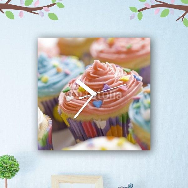 【掛け時計】かわいいカップケーキ