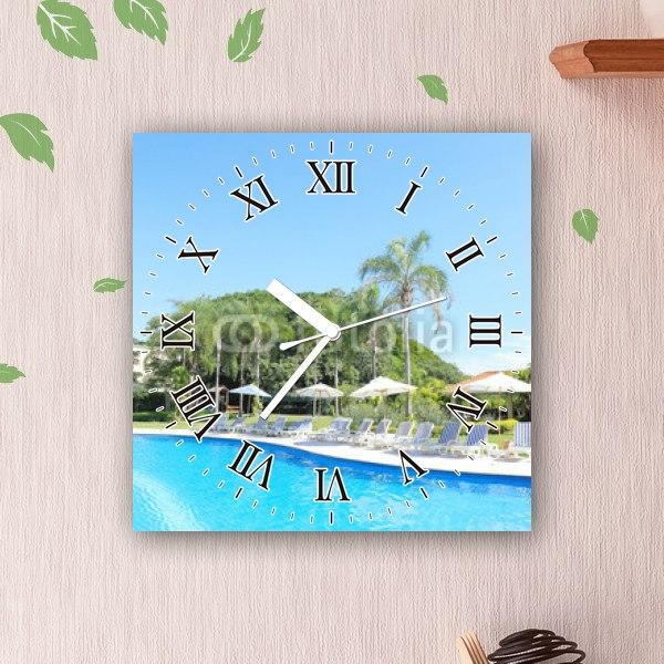【掛け時計】リゾートホテルのプール