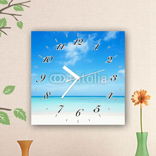 【掛け時計】窓から見た沖縄のビーチ