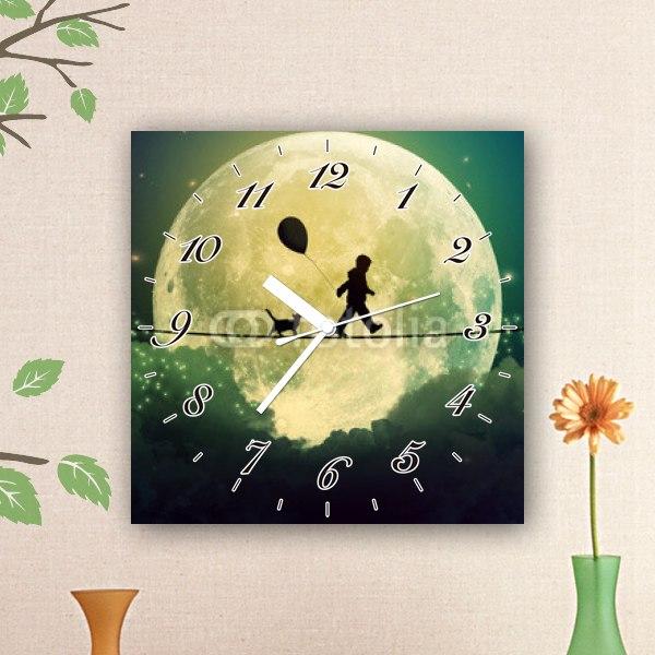 【掛け時計】月と少年