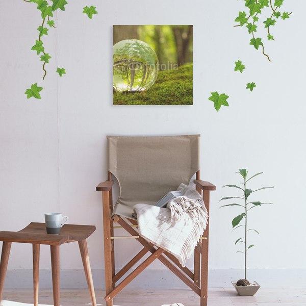 【キャンバスアート】森林と透明な地球儀