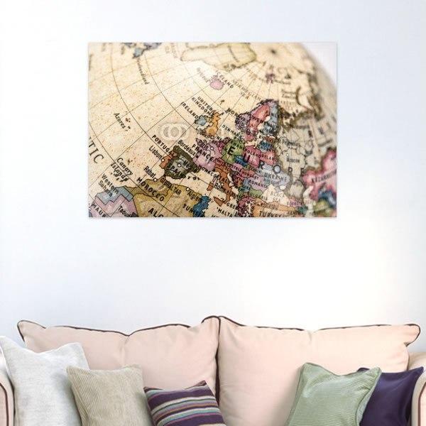【インテリアポスター】地球儀でヨーロッパを見る