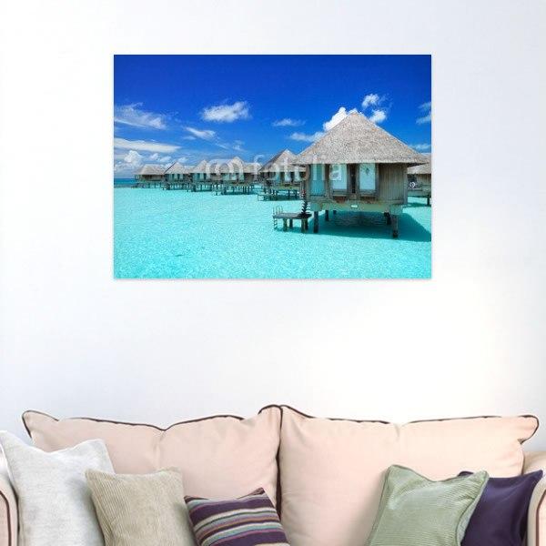 【インテリアポスター】モルディブの藁葺き屋根の水上コテージ