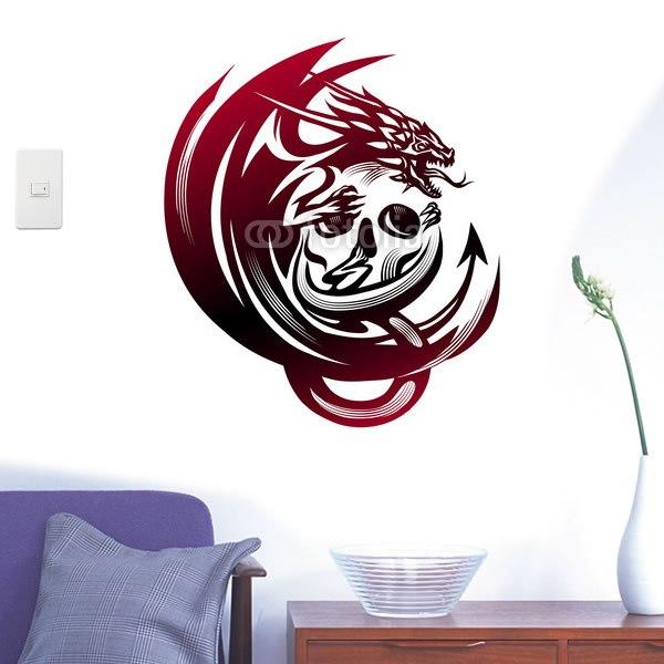 【インテリアシール】ドクロにしがみつくドラゴン。 壁シール